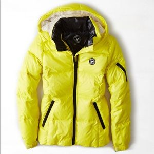 NWOT AE Neon Yellow Get Down Hooded Puffer Jacket